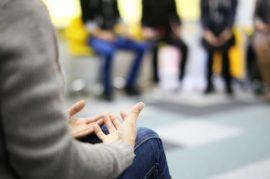 Terapias grupales para manejar la ansiedad provocada por el confinamiento.